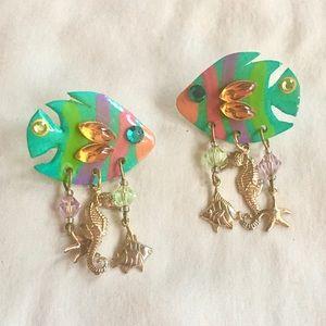 Vintage fish charm earrings 🐠